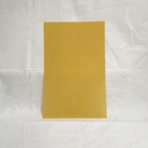 Feuille de cire gaufrée - format dadant corps (le kg)